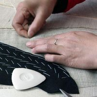 We Sew Right logo