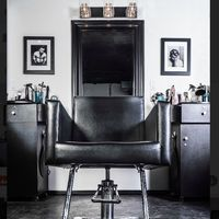 Luxx Hair Lounge logo